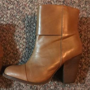 LLBeans booties. Very good condition. Size 6M